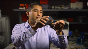 Wearable Two-Photon Microscope Analyzes Sarcomere Microstructures